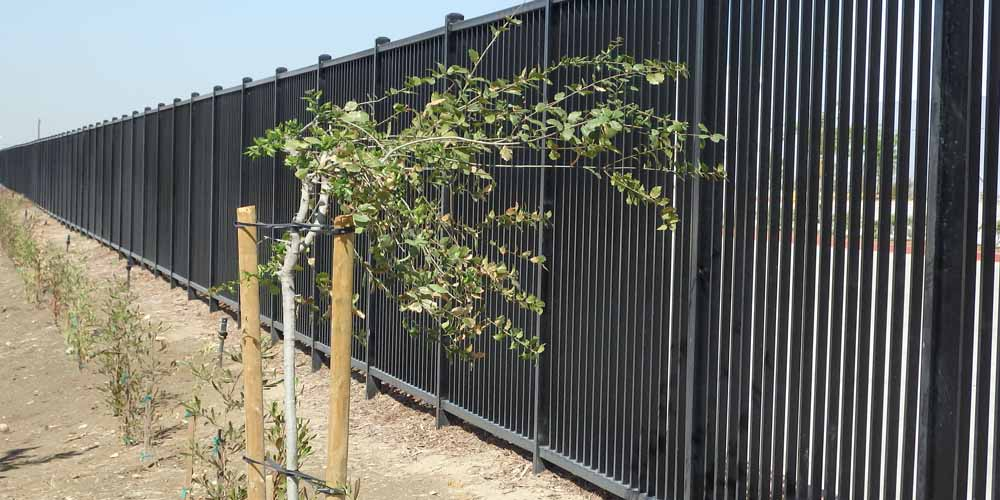 LA Gen Steel Fence 14