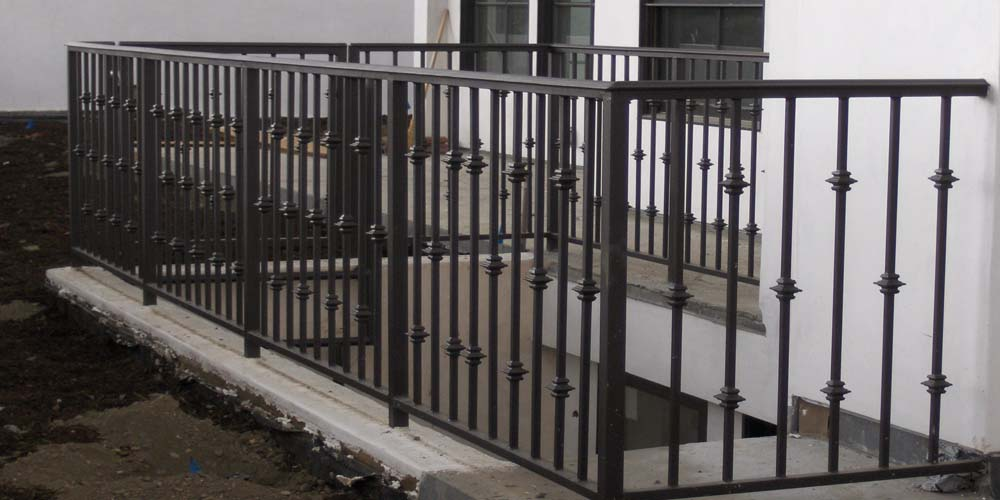 LA Gen Steel Fence 22