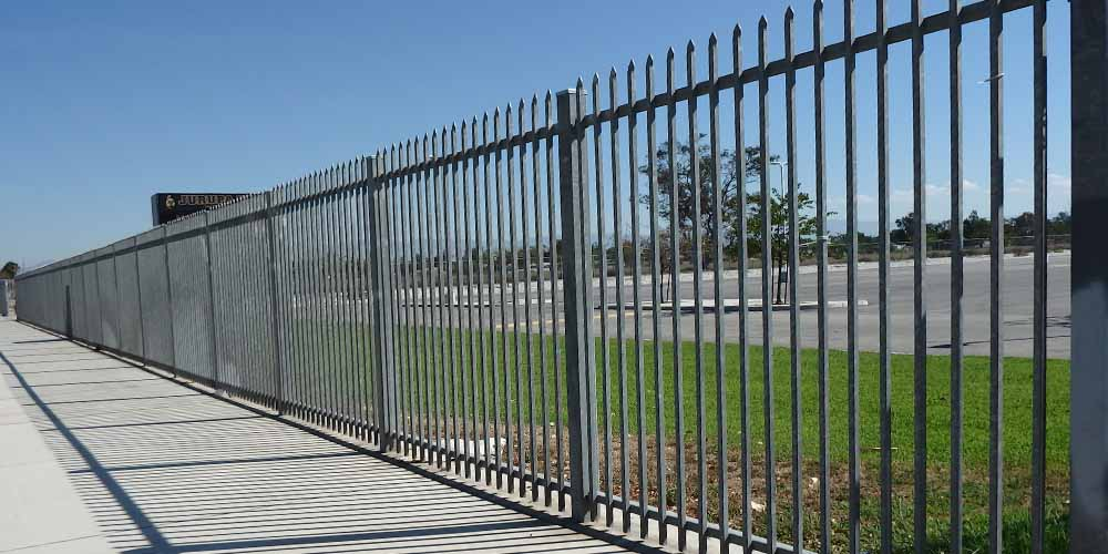 LA Gen Steel Fence 24
