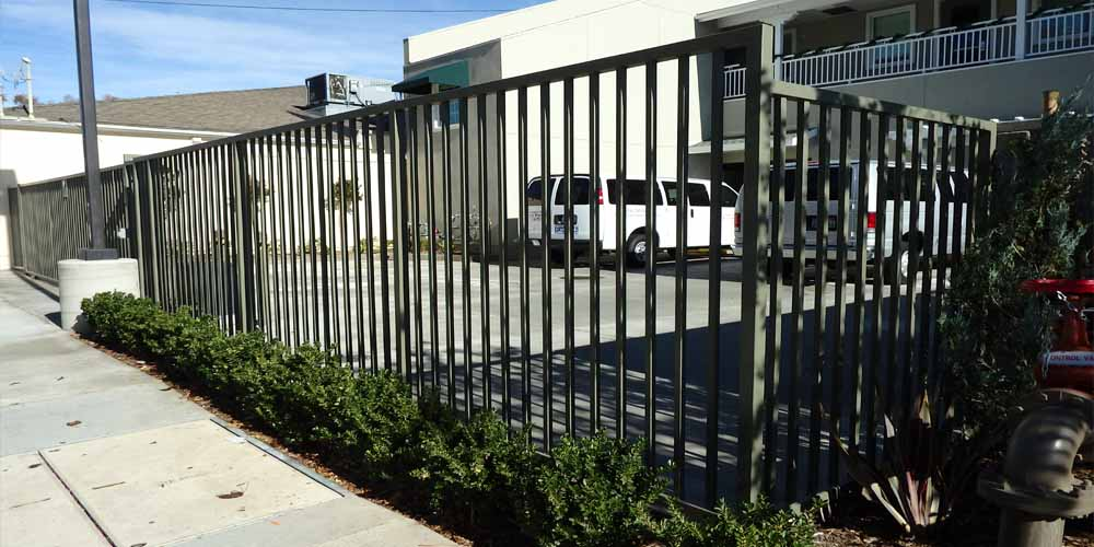 LA Gen Steel Fence 26